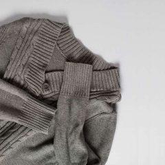 دانلود تصاویر استوک لباس گرم بافت ریز